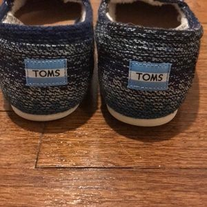 Toms Shoes - TOMS NWT Blue multi stripe with shearling
